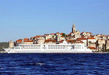 Imagen Barco navegando por Croacia y Napoles