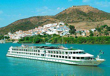 Imagen Barco navegando por el Río Guadalquivir
