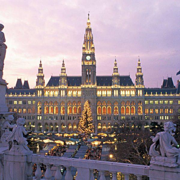 Mercadillo de Navidad en el Ayuntamiento de Viena