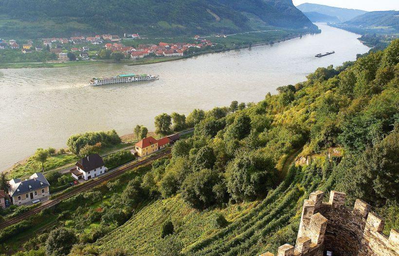 Crucero en navegacion por el Danubio