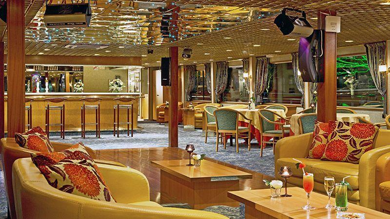 Salón Bar Barco Modigliani