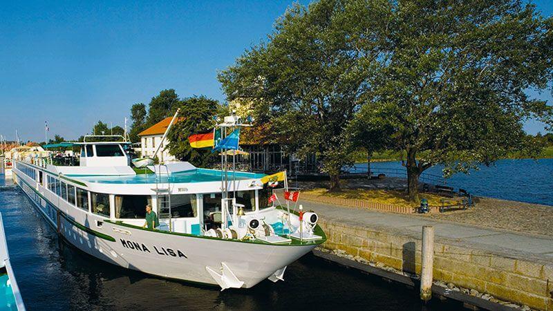 Barco Mona Lisa en el Muelle