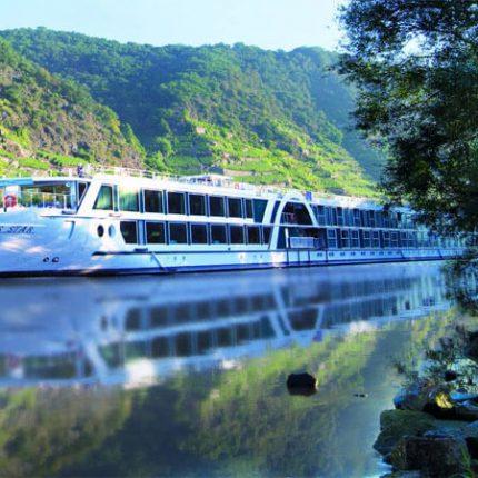 Barco Amadeus Star por el Danubio